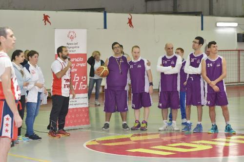 Special Olympics  - בגן שמואל, עמוס גיל צילם את האירוח והמשחק