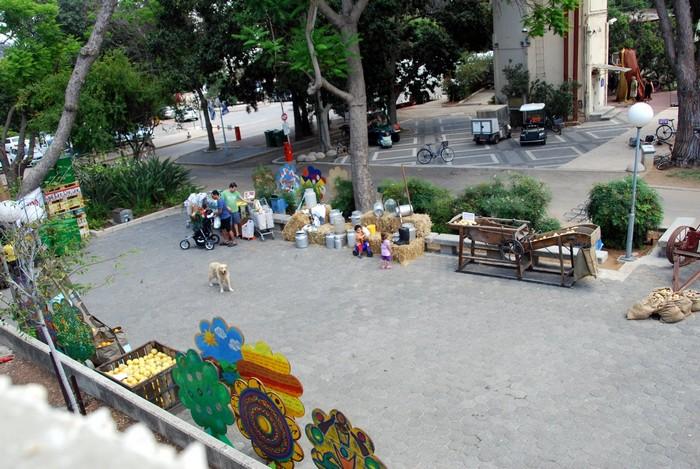 ביכורים, תמונות מהצלם על הגג - יוסף טל